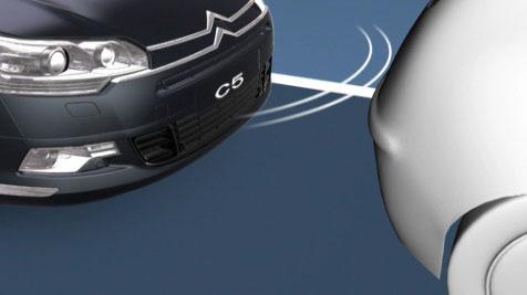 citroen-c5-pomoc-pri-parkiranju